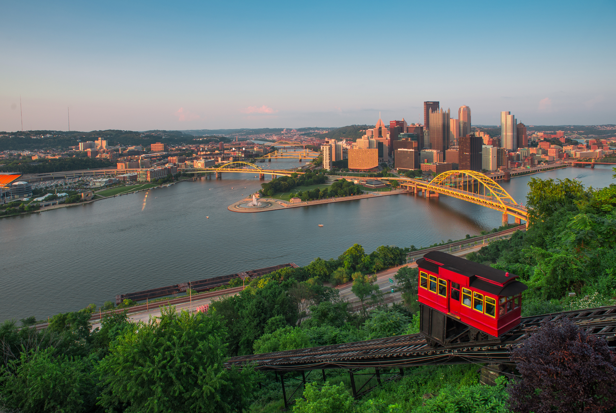 Pittsburgh from Mt Washington showing the Incline